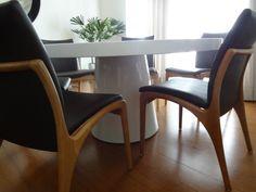 mesa de jantar oval em laca branca - Pesquisa Google Dining Chairs, Interior Design, Furniture, Home Decor, Lacquer Furniture, Oval Dining Tables, Elegant Dining Room, Dinning Table, Decorating Ideas