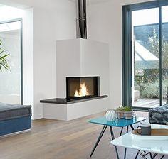 Cheminée d'angle Lilou Corner Gas Fireplace, Home Fireplace, Fireplace Mantels, Fireplaces, Home Living Room, Sweet Home, New Homes, Loft, House Design