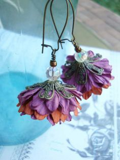 Plum Crazy earrings by freerangeart on Etsy . I know it's not lucite but looks like fun? Lucite Flower Earrings, Antique Brass, Jewelry Crafts, Etsy Earrings, Plum, Dangles, Sparkle, Jewelry Making, Craft Ideas