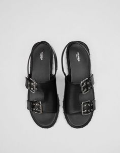 Sandals with studded outsole - Flat sandals - Shoes - Woman - PULL&BEAR United Kingdom