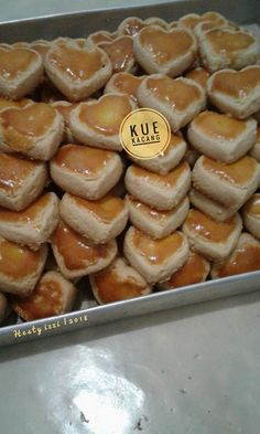 Kue Kacang by Hesty Izzi Donut Recipes, Cookie Recipes, Snack Recipes, Snacks, Biscuit Cookies, Cake Cookies, Marmer Cake, Baking And Pastry, Chocolate Cookies