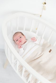 Baby's Only Baby crib blanket teddy Sparkle gold-ivory melee ✓ Free shipment from ✓ Fast delivery ✓ Secure payment. Baby Crib Sheets, Baby Cribs, Babys Only, Travel Cot, Sparkle, Crib Blanket, Warm Blankets, Trendy Colors, Baby Sleep