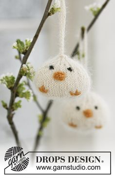 Ravelry: Easter chickens in Alpaca and Kid-Silk - FREE pattern by DROPS design Drops Design, Knitting Patterns Free, Free Knitting, Free Pattern, Simply Knitting, Finger Knitting, Scarf Patterns, Crochet Patterns, Easter Craft Activities