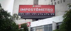 Brasileiro já pagou mais de R$ 2 trilhões em imposto em 2015 - http://noticiasembrasilia.com.br/noticias-distrito-federal-cidade-brasilia/2015/12/30/brasileiro-ja-pagou-mais-de-r-2-trilhoes-em-imposto-em-2015/