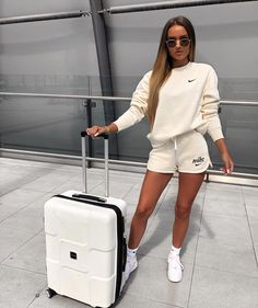 Fashion 2019 New Moda Style - fashion Cute Comfy Outfits, Sporty Outfits, Trendy Outfits, Summer Outfits, Fashion Outfits, Womens Fashion, Fashion Tips, Sexy Outfits, White Nike Shorts