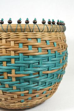***** Instant Download - Pattern Only ***** This pattern is for instructions to weave a round table basket or vase with a twill weave arrow effect. The basket is woven on a wood base. The pattern contains many pictures with detailed instruction for the beaded accent on the rim.