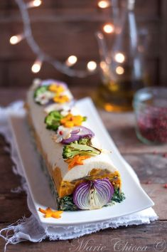 {You will take a little log with your turkey Spicy Recipes, Raw Food Recipes, Appetizer Recipes, Dessert Recipes, Cooking Recipes, Desserts, Vegetarian Recipes, Sandwich Cake, Food Design