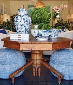 53 Eye-Catching Entry Table Ideas to Make a Fantastic First Impression - decortip Entry Tables, Chinoiserie Chic, Chinoiserie Fabric, Blue And White China, Blue Green, Yellow, Faux Bamboo, White Rooms, White Houses