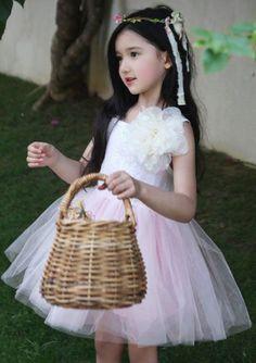 Baby outfits swag little girls 31 super Ideas Cute Little Baby Girl, Little Girl Models, Cute Baby Girl Pictures, Baby Girl Images, Beautiful Little Girls, Beautiful Children, Cute Asian Babies, Korean Babies, Asian Kids