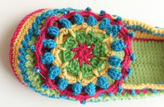 Criss-cross: colorful crocheted slippers