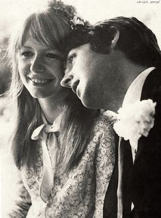 This true photographic version of Paul McCartney and Jane Asher has a photo-shopped version replacing Jane's face and body with John's face and body. Do you all recognize the switch?