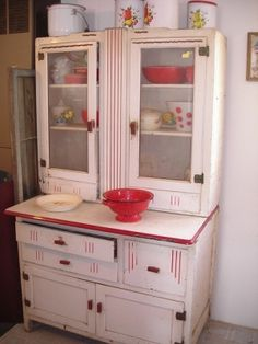 Hoosier Cabinet White with Red Trim vintage shabby chic Red And White Kitchen, Red Kitchen, Kitchen Items, Vintage Kitchen, Kitchen Decor, Vintage Cabinet, Kitchen Stuff, Cosy Kitchen, Basement Kitchen