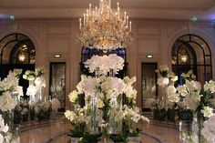 Jeff Leatham is one of the most celebrated and renowned floral & event designers worldwide. Experience Jeff Leatham and gain instruction at the 2017 Fleur International Master Conference Wedding Goals, Wedding Planning, Dream Wedding, Wedding Day, Luxury Wedding, Elegant Wedding, Hotel Flower Arrangements, Table Arrangements, Floral Wedding
