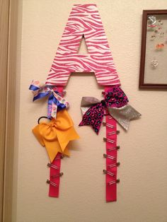 Would love to have a Cheer bow holder with my letter.