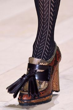 Burberry Prorsum, Fall 2016 - You Have to See These Fall '16 Runway Shoes… Buy Shoes, Me Too Shoes, Shoe Boots, Shoes Heels, Flats, Walking In High Heels, Runway Shoes, Burberry Prorsum, Unique Shoes