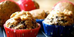 Low Carb Rezept für leckere Mandel-Schoko-Muffins mit wenig Kohlenhydraten und ohne Zucker. Low Carb, zuckerfrei und einfach und schnell zum Nachkochen. Perfekt zum Abnehmen.