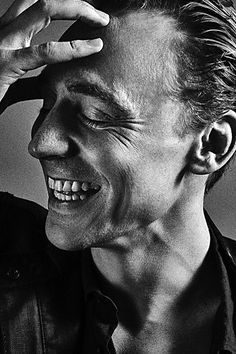 """Andy Gotts: """"'Oh Mr Hiddleston, I've been expecting you!' #DontMentionBond #TomHiddleston"""" Source: https://mobile.twitter.com/DrGotts/status/745208562327105536 Higher resolution image: https://mobile.twitter.com/DrGotts/status/745208562327105536/photo/1"""