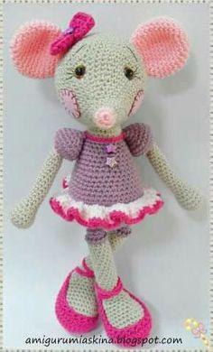 Mesmerizing Crochet an Amigurumi Rabbit Ideas. Lovely Crochet an Amigurumi Rabbit Ideas. Crochet Mouse, Crochet Amigurumi, Cute Crochet, Amigurumi Doll, Amigurumi Patterns, Crochet Crafts, Crochet Dolls, Doll Patterns, Crochet Baby
