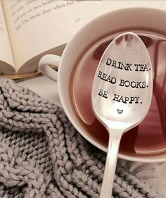 Books and tea and books and tea and books. things to buy for the bookwork/tea lover! Books And Tea, Latte, Tea Reading, Stamped Spoons, Hand Stamped, Book Lovers Gifts, Book Gifts, Tea Accessories, Bubble Tea