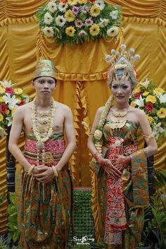 Javanese culture on angga & jeje wedding.
