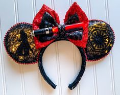 Light Up Star Wars Kylo Ren Inspired Disney Mickey Minnie Mouse Ears with light up Lightsaber for Galaxy's edge Diy Disney Ears, Disney Mickey Ears, Disney Star Wars, Disney Diy, Lego Star Wars, Star Trek, Mickey Mouse, Light Up Lightsaber, Red Lightsaber