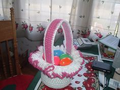 My first crocheted Easter Basket