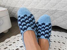 anas / Háčkované papuče v modrom 2 Slippers, Shoes, Fashion, Moda, Zapatos, Shoes Outlet, Fashion Styles, Slipper, Shoe