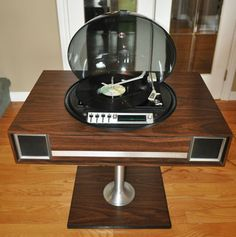 1970s Electrohome 720 space age record player and radio on eBay