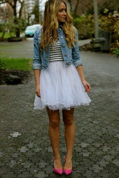 Jeans. Tulle.