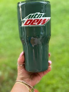 Bring me a Mountain Dew and Tell me Im Pretty Tumbler This listing is for all soda lovers! If you are looking for a Mountain Dew, Diet Coke, or Dr. Pepper tumbler, look no further! Message me and let's come up with something awesome for you! Hand wash only Do not microwave Not dishwasher safe Handle Clear Tumblers, Acrylic Tumblers, Personalized Tumblers, Personalized Gifts, Coffee Gift Baskets, Diet Pepsi, Company Party, Birthday Cup, Mountain Dew