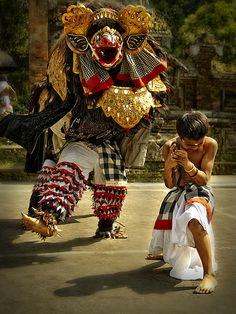 Abangan, Ubud - Barong Performance by Abangan boys by Mio Cade on Flickr