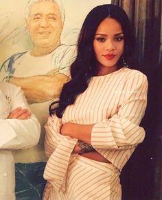 Robyn Rihanna Fenty was born in a parish in Barbados called St. Rihanna Looks, Rihanna Riri, Rihanna Style, Beyonce, Divas, Rihanna Outfits, Jenifer Lawrence, Bad Gal, Phoebe Tonkin