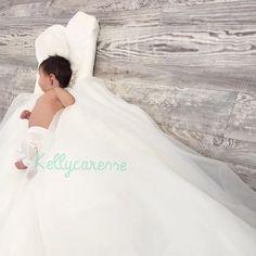Baby fotoshoot trouwjurk : Deze schattige newbornshoot inspiratie is zo leuk voor mama's die getrouwd zijn!