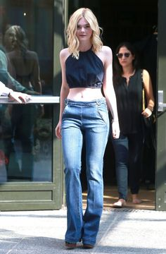 Elle and Dakota Fanning Own Every Type of Denim You Need in Your Closet: It's not just that Dakota and Elle Fanning have a lot of denim — it's that they wear it so well. Denim Fashion, Look Fashion, Fashion Outfits, Girl Fashion, Dakota And Elle Fanning, Estilo Jeans, Flare Leg Jeans, Celebrity Look, Khloe Kardashian