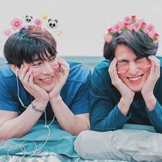 TharnType the series 👬💛 Mew Suppasit and Gulf Kanawut Isak & Even, Drama Fever, Bright Pictures, Cute Gay Couples, E Type, Thai Drama, Cute Actors, Poses, Asian Actors