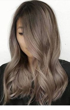 22 New Gorgeous Hair Color Trends For 2019 The trending greige hair color Brown Hair Balayage, Brown Blonde Hair, Hair Color Balayage, Blonde Balayage, Blonde Highlights, Haircolor, Gorgeous Hair Color, Cool Hair Color, Cool Tone Hair Colors