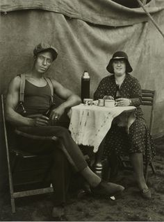 August Sander, Circus Workers, 1926–1932, Gelatin Silver print, Ed. 7/12 of 1990, 18 x 24 cm
