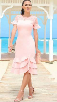 Isabel Senra Alonso's media content and analytics Simple Dresses, Cute Dresses, Beautiful Dresses, Casual Dresses, Short Dresses, Dresses With Sleeves, Frock Fashion, Fashion Outfits, Princess Outfits