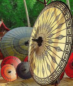 Japanese parasols.. Kinda art deco too..