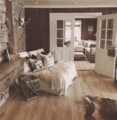 Rustic Home by - Architecture and Home Decor - Bedroom - Bathroom - Kitchen And Living Room Interior Design Decorating Ideas - Cabin Interiors, Rustic Interiors, Farmhouse Master Bedroom, Farmhouse Stairs, Cozy House, Interior Design Living Room, Interior Livingroom, Room Interior, Home Furniture
