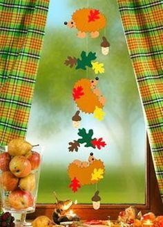Risultati immagini per fensterbilder herbst Pinecone Crafts Kids, Pine Cone Crafts, Fall Crafts, Diy And Crafts, Crafts For Kids, Arts And Crafts, Paper Crafts, Hedgehog Craft, Fall Projects