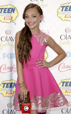 6a614ace9c2a Maddie Ziegler attending the Teen Choice Awards 2014 Models