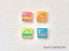Flower pattern dice earrings