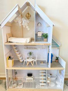 Dollhouse Design, Modern Dollhouse, Diy Dollhouse, Barbie Furniture, Dollhouse Furniture, Doll House Plans, Kids Doll House, Doll House Crafts, Barbie Doll House