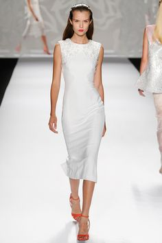 Monique Lhuillier New York Fashion Week Spring Summer 2015 American Bridal Designers