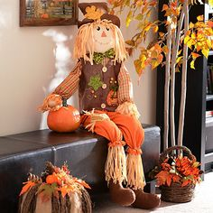 This Scarecrow Boy Chair Sitter embodies the harvest spirit! Decked out in autumn colors and with a warm smile, he'll welcome all guests this holiday season. Harvest Decorations, Thanksgiving Decorations, Seasonal Decor, Fall Decor, Scarecrow Painting, Scarecrow Doll, Primitive Fall Crafts, Fall Harvest, Autumn