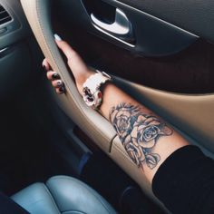 Impressive Forearm Tattoos for Women Browse through over high quality unique tattoo designs from the world's best tattoo artists! Dream Tattoos, Body Art Tattoos, New Tattoos, Girl Tattoos, Tatoos, Rose Sleeve Tattoos, Ladies Tattoos, Woman Tattoos, Heart Tattoos