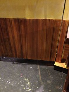 Painting wood grain on the kitchen