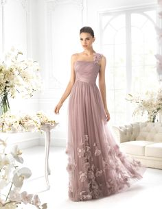 Some elegant dresses from Rochii de seara, these are perfect for your bridesmaids