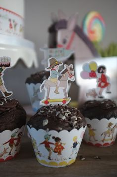 You are In Good Company: good life. Belle and Boo cupcake cases and toppers